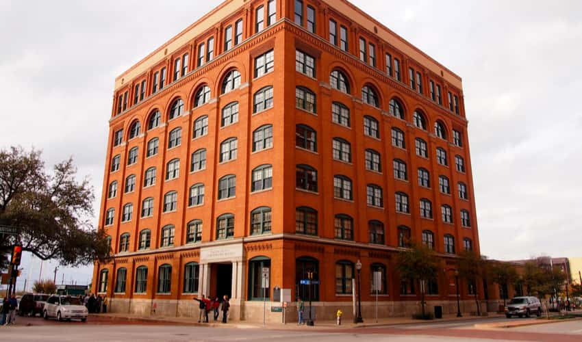 The outside of the Sixth Floor Museum ay Dealey Plaza