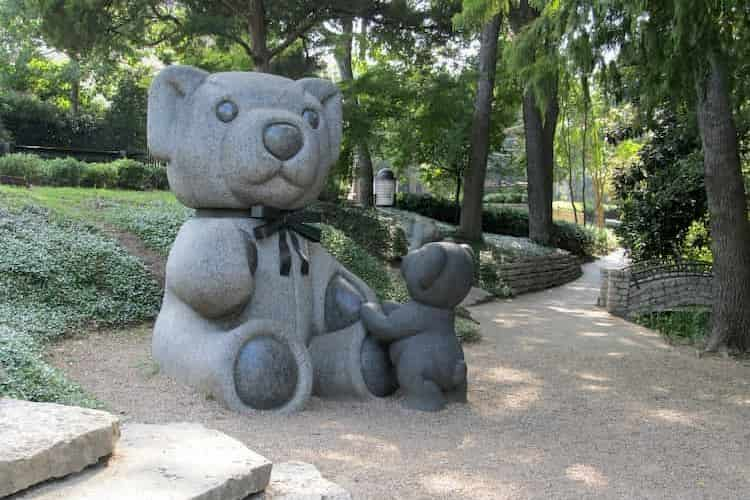 Teddy bear statues in park